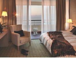 Dhome dyshe Superior me pamje nga deti