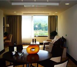 Dhome familjare Superiore me pamje nga fusha golfit