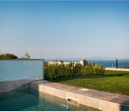 Sunny Villas Resort & Spa