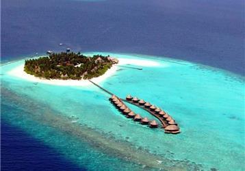 Angaga Island Resort And Spa 4
