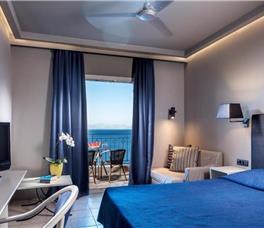 Dhome dyshe Ndertesa kryesor me pamje nga deti