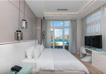 Hotel Demi
