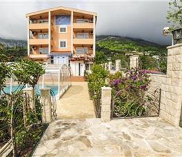 Villa Dolphin Apartments