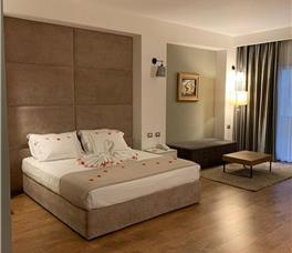 Dhome dyshe Junior Suite
