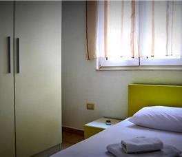 Apartament Me dy dhoma gjumi dhe verande
